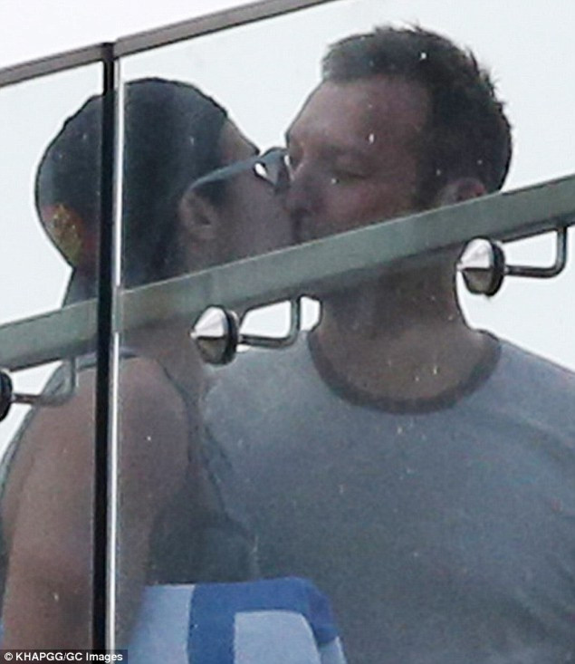 314d460e00000578-3450447-in_love_ian_thorpe_and_his_new_boyfriend_ryan_channing_were_seen-m-23_1455678320873