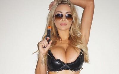 Lindsey-Pelas-Sexy-Cop-Halloween-400x250