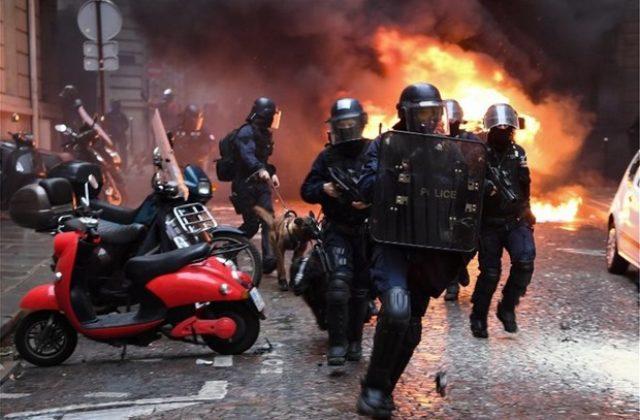 Βράζει η Γαλλία: Εκτεταμένα επεισόδια σε όλη τη χώρα
