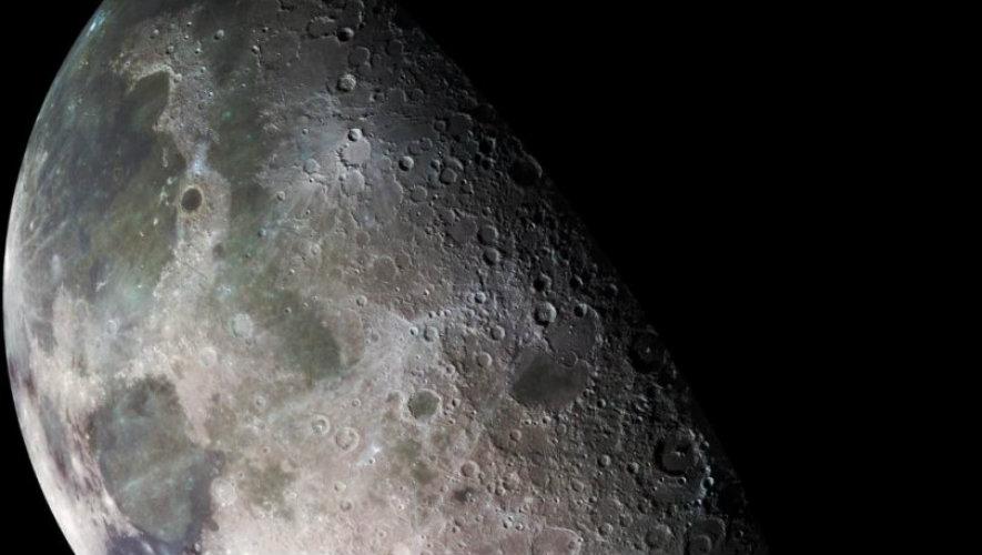 Η NASA ανακάλυψε νερό στη Σελήνη!