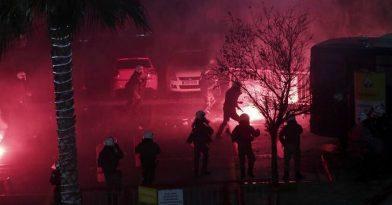 Άγριες συμπλοκές αστυνομίας-χούλιγκαν