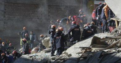 Σεισμός στην Τουρκία: Αυξάνονται οι νεκροί