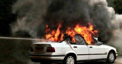 Φωτιά σε εν κινήσει ΙΧ στη Θεσσαλονίκη