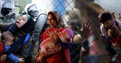 120.000 πρόσφυγες φθάνουν στα σύνορα
