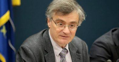 Τσιόδρας: «Αν τα μέτρα χαλαρώσουν, ο ιός θα μας εκδικηθεί»