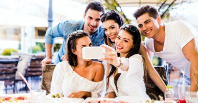 Οι selfies έχουν σκοτώσει 379 ανθρώπους σ' όλο τον κόσμο