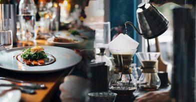 Πότε και πώς θα ανοίξουν εστιατόρια-καφέ