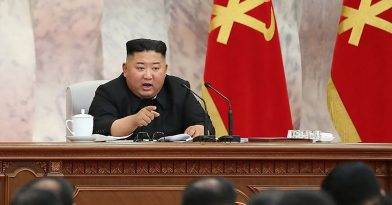 Εμφανίστηκε δημόσια ο Κιμ Γιονγκ Ουν