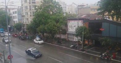 Έντονη χαλαζόπτωση στο κέντρο της Θεσσαλονίκης