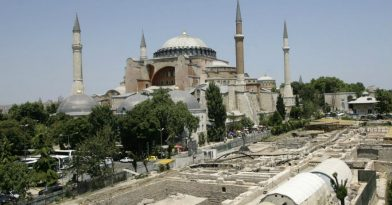 Αγία Σοφία: Οι Τούρκοι τη μετέτρεψαν σε τζαμί!