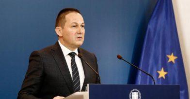 Κορονοϊός: Νέα μέτρα ανακοίνωσε ο Πέτσας