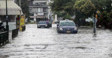 Σε εξέλιξη η κακοκαιρία: Καταιγίδες και χαλάζι στη χώρα
