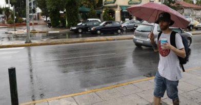 Καιρός: Συνεχίζεται το βροχερό σκηνικό