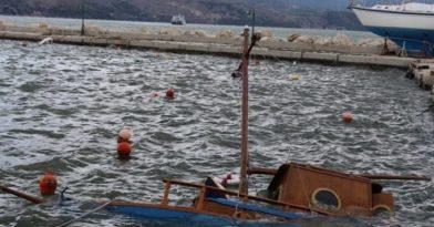 Κακοκαιρία «Ιανός»: Βυθίστηκαν 43 σκάφη