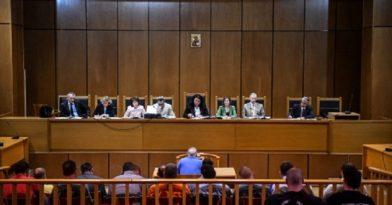 Δίκη Χρυσής Αυγής: Στη φυλακή ο Μιχαλολιάκος και το διευθυντήριο