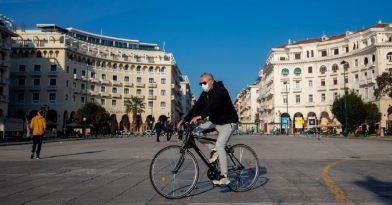 Θεσσαλονίκη: Νεαροί τραμπούκισαν κλιμάκιο του ΕΟΔΥ (video)