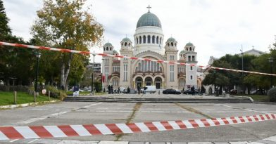 Κορονοϊός: Έλεγχοι και μπλόκα της ΕΛ.ΑΣ. σε μοναστήρια και εκκλησίες