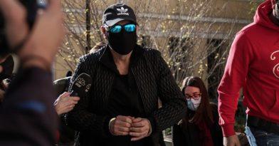 Σφακιανάκης: Αναβολή επ' αόριστον στη δίκη για ναρκωτικά και όπλο