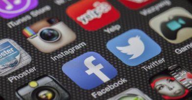 Θησαυρίζουν App Store και Google Play