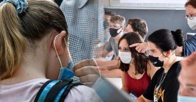 Σχολεία: Τι ισχύει με self test μαθητών δημοτικού, γυμνασίου, νήπια (vids)