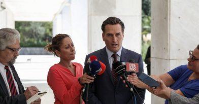 Δημητρακόπουλος: Δεν είναι αδίκημα η ερωτική πράξη με 15χρονα παιδιά