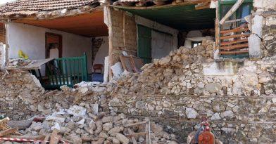 Σεισμός στην Ελασσόνα: Νεκρός 84χρονος