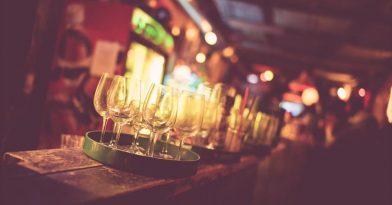 Θεσσαλονίκη: Χειροπέδες σε ιδιοκτήτη μπαρ που εξυπηρετούσε πελάτες