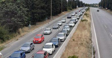 ΤΩΡΑ: Απίστευτο μποτιλιάρισμα στην επιστροφή από Χαλκιδική (pic)