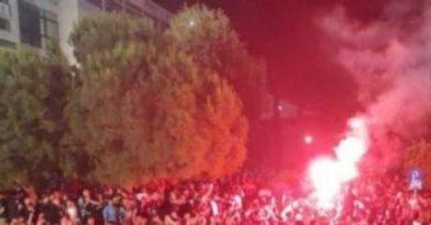 Θεσσαλονίκη: Νέο κορονο – πάρτι στο ΑΠΘ (video)