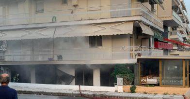 Έπιασε φωτιά ταβέρνα στην Κρήνη (video)