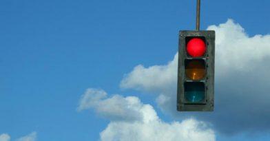 Αττική: «Αυτόματα» η κλήση για κόκκινο σε οδηγούς