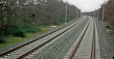 Θεσσαλονίκη: Συγκρούστηκε τρένο με φορτηγό